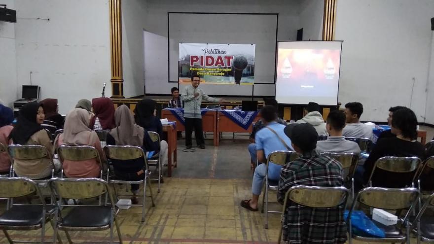Image : Anthusiasme Pemuda Dusun Saragan Ikuti Pelatihan Pidato