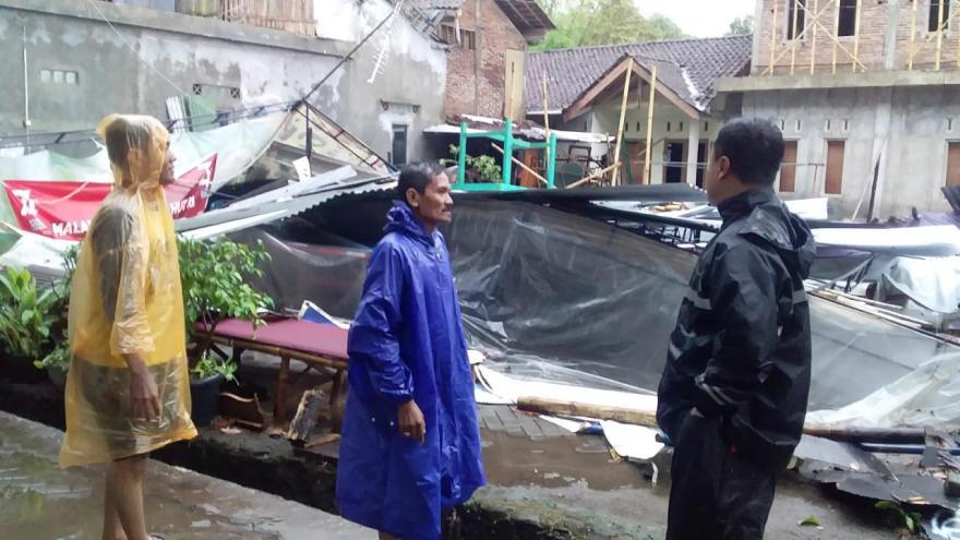 Image : Lima Dusun di Banyurojo Terdampak Hujan Deras dan Angin Kencang